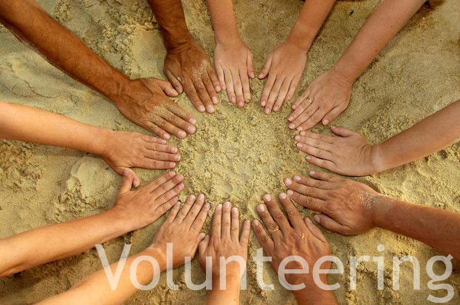 Volunteering-abroad-students