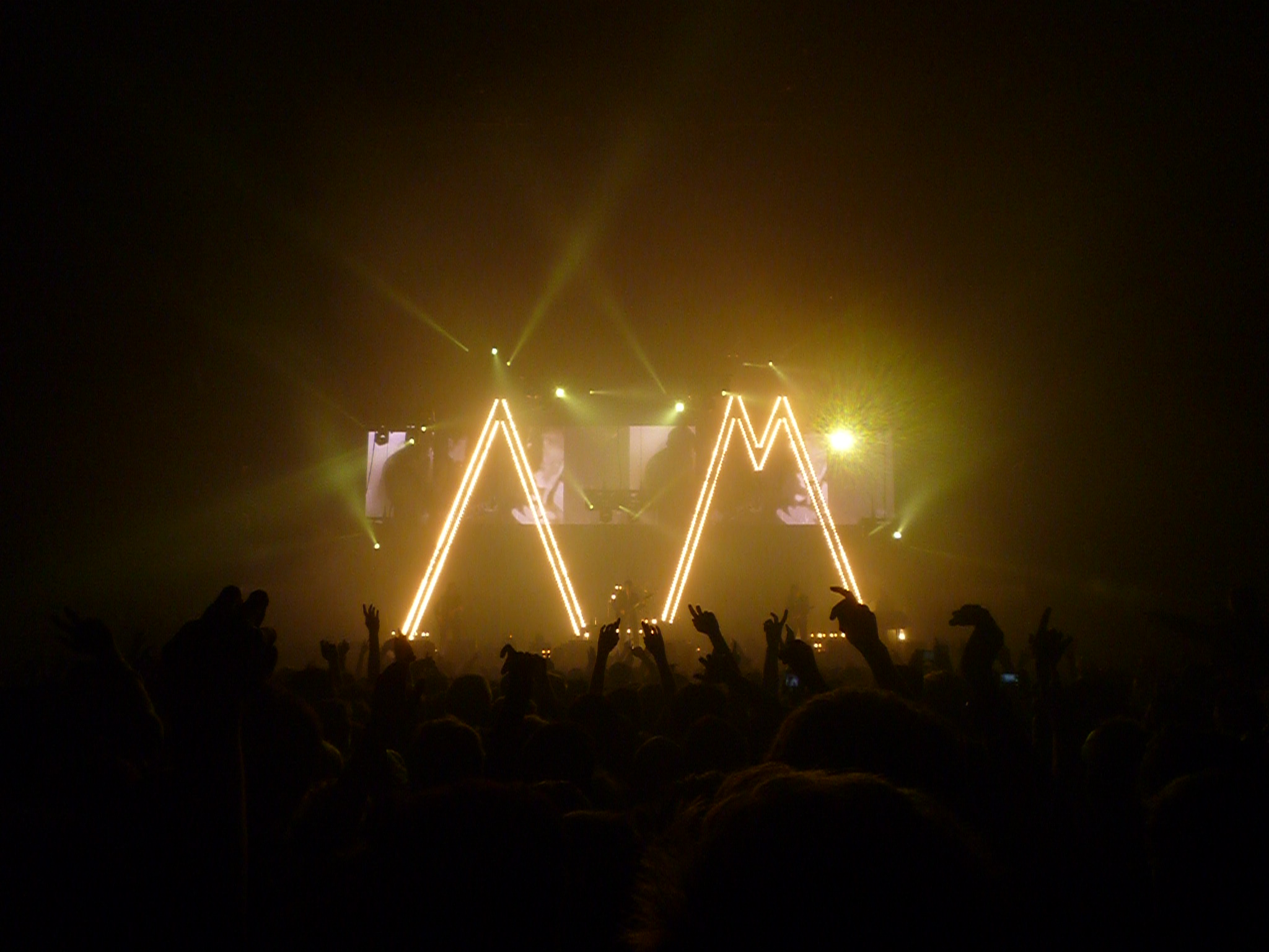 Arctic Monkeys at Earls Court – Gig Review