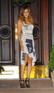 newspaper dress 174x300 Carrie Bradshaws Most Iconic Looks