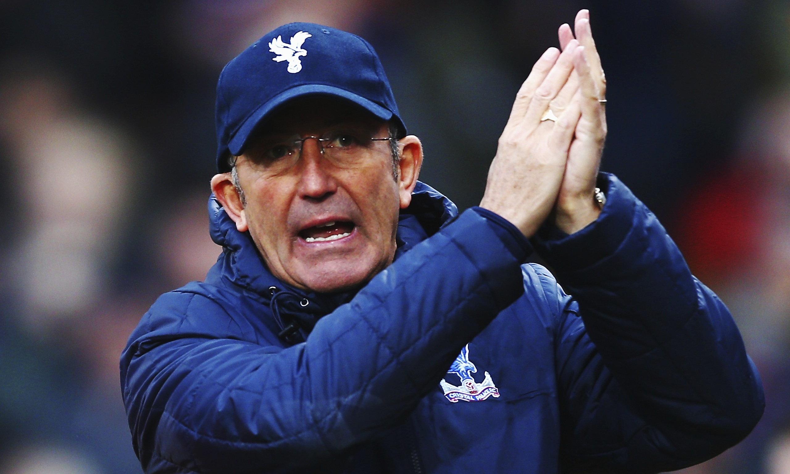 Tony Pulis encourages Crystal Palace