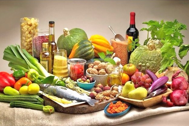 Foods included in a typical Mediterranean diet