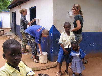 Volunteering can be a fulfilling way to travel