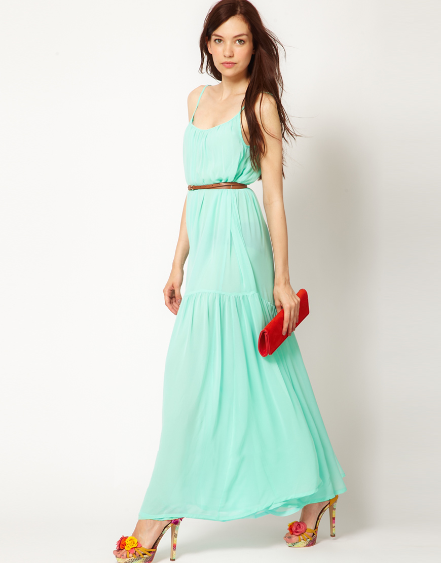 Maxi dress for slimmer lady